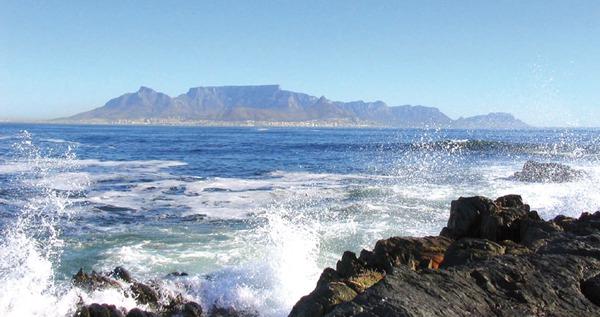 Johanna Barth verbrachte acht Monate beruflich in Südafrika. Im Bild: Kapstadt von Robben Island aus gesehen.