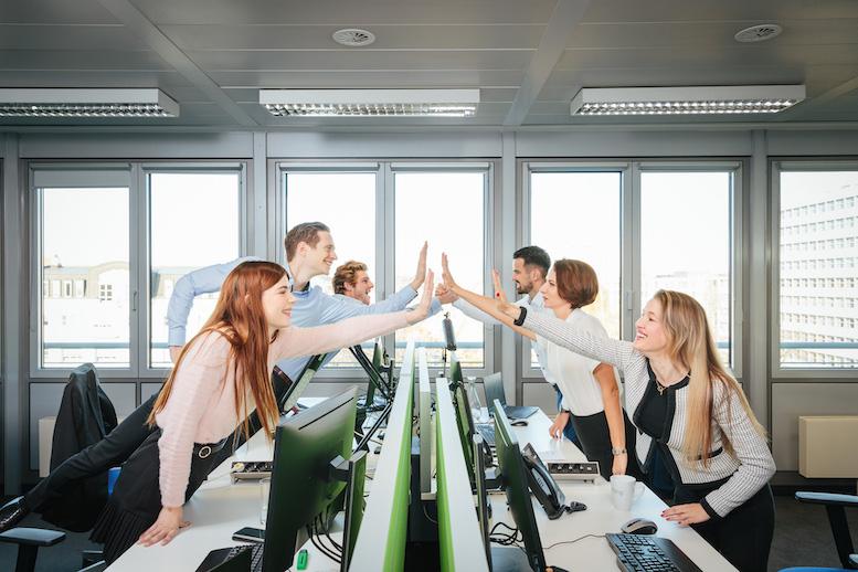 High five geben statt Ellenbogen einsetzen