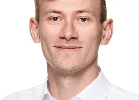 Max Hopperdietzel,IT Consultant bei der enowa AG, über Einstieg und Job