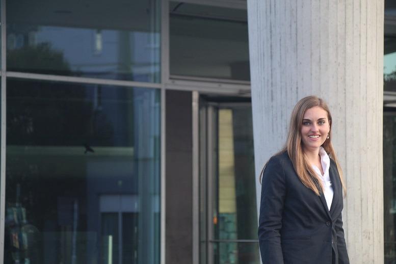 Natalie Edelmann stieg im Juni 2017 als Analyst bei DB MC ein