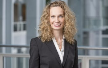 Leonore Leibrock, Analyst DB Management Consulting