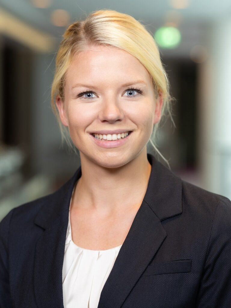 Nina Hirsens, McKinsey