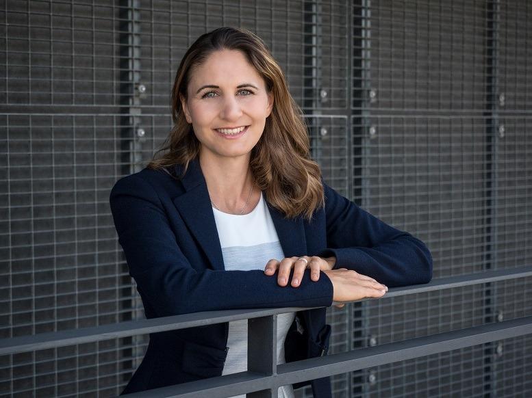 Claudia Richthammer von Bain & Company befindet sich aktuell in Elternzeit.