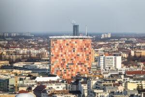 Der Rocket-Tower in Berlin, nur wenige Meter entfernt vom Checkpoint Charlie. Bild: Rocket Internet