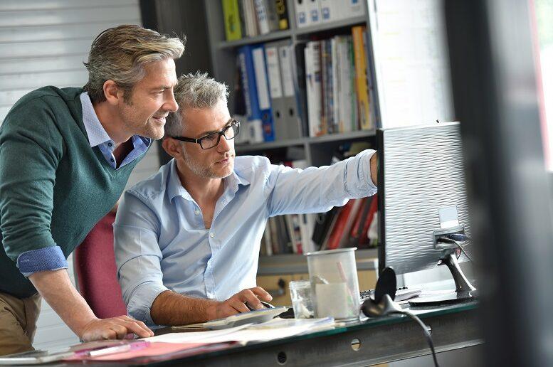 Mit dem Fernstudium MBA Business Consulting neue berufliche Perspektiven entwickeln. Foto: Adobe iStock