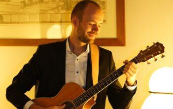 Senior Technical Consultant Lucas Thielmann: Der Hobbymusiker ist seit 2018 bei BearingPoint und auf Öffentliche Verwaltung und Informationstechnologie spezialisiert