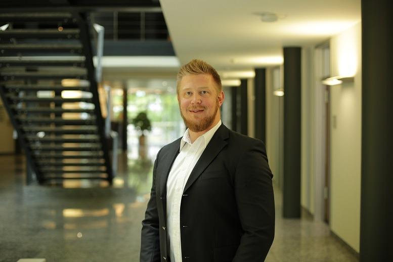 """""""In unserem Job ist es wichtig, sich am Ziel und nicht an alten Gewohnheiten zu orientieren."""" Björn Schütte, Fiducia & GAD"""