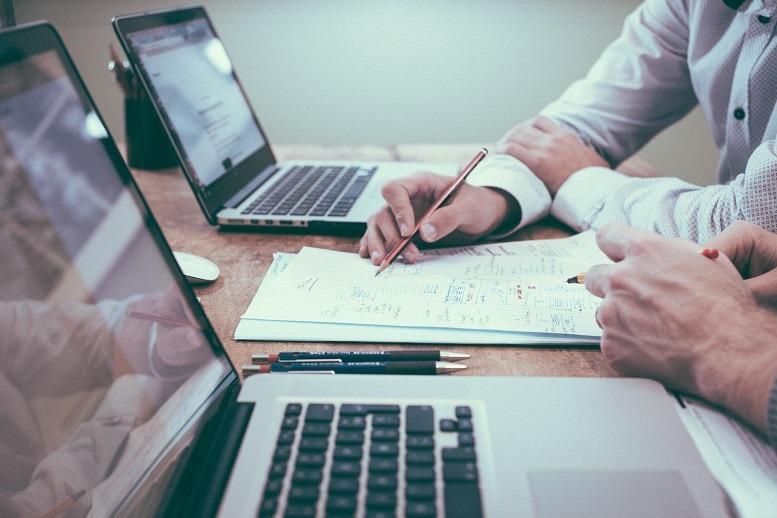 """""""Das Business ist tendenziell eher Output-orientiert, wohingegen der ITler lieber auf das Wie schaut."""": Christian Kukuk findet sich oft als Mediator dazwischen wieder."""