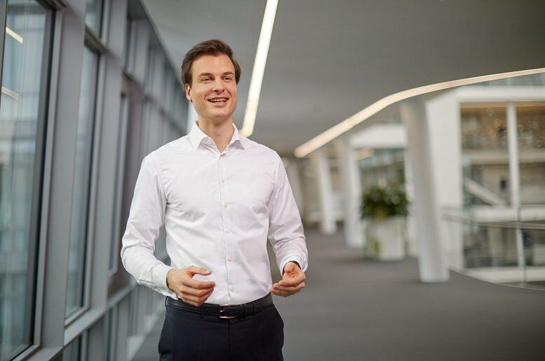 Dominik Knoblich hat an der Technischen Universität München Wirtschaftsinformatik studiert