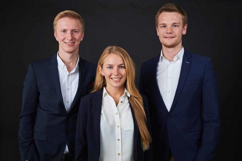 Der aktuelle Vorstand von Heinrich Heine Consulting e.V. von links nach rechts: Lucas Meißner - 2. Vorstand (Vorstand für Internes), Tina Kürger - Vorstand für Finanzen und Recht, Felix Mausberg - 1. Vorstand (Vorstand für Externes)