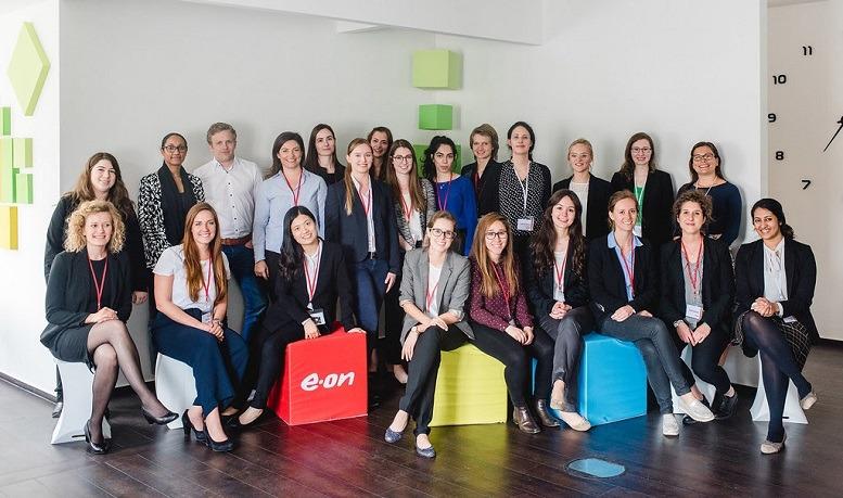 """Impressionen vom """"ECON Women's Day"""". Hier haben weibliche Top-Talente die Möglichkeit, einen umfassenden Einblick in die Arbeit bei E.ON Inhouse Consulting zu erhalten und zu netzwerken."""