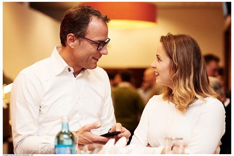Gespräch auf Augenhöhe: Roland Manno und Maria Seidel Foto © dolphinphotography.de