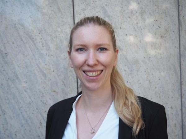 Erfahrungsbericht: Nora Rösch arbeitet bei DB Management Consulting