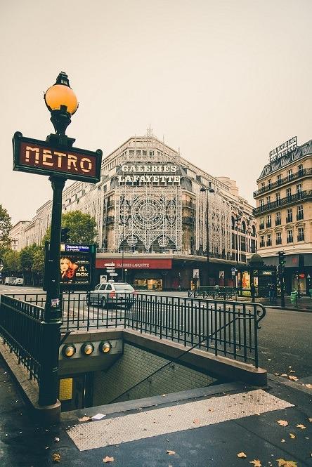 BearingPoint hat für einen französischen Verlag eine Lösung entwickelt, die festlegt, wie viele Zeitungen jeden Tag an welchen Kiosk gesendet werden sollen