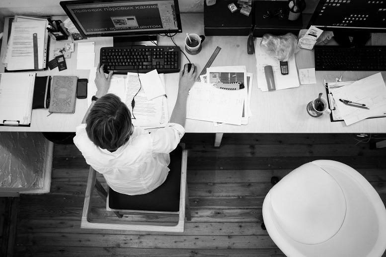 Ein Wirtschaftsmathematikstudium vermittelt, wie man Probleme strukturiert und Lösungen für neue Herausforderungen entwickeln kann. Praktika und Werkstudentenjobs sorgen für die Praxiserfahrung.