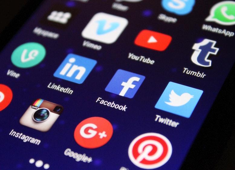 Als optimale Plattform für den Aufbau einer Personenmarke im beruflichen Kontext hat sich das soziale Netzwerk LinkedIn