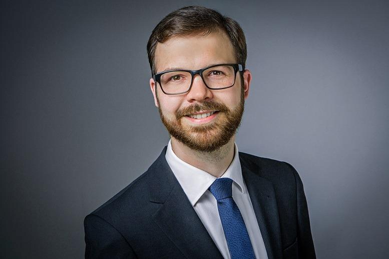 Sebastian von Burstin, Prof. Roll & Pastuch – Management Consultants